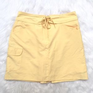 [Izod] sunny yellow skirt skort with pockets